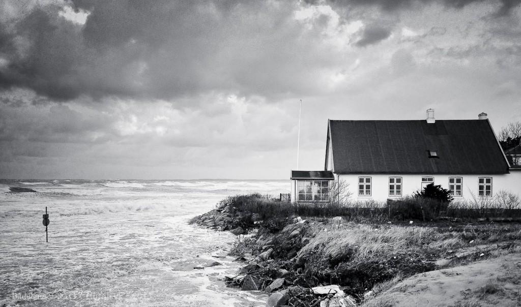 Storm over Hornbæk December 2013 - Hus tæt ved vandet